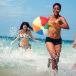 Los riesgos de no cambiarte el bañador mojado en verano