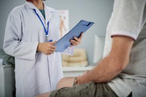 ¿Qué Es La Melatonina?: profesional sanitario heelespana 300x200 - HeelEspaña