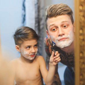 Consejos para el afeitado en hombres con piel sensible - HeelEspaña