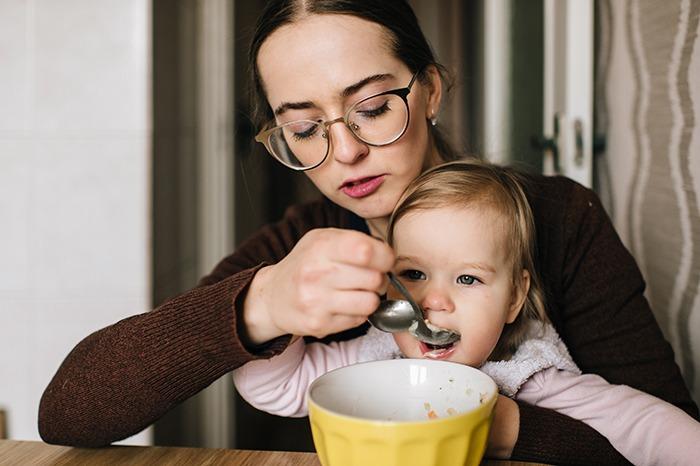 Sopa sana: beneficios para niños y mayores - HeelEspaña