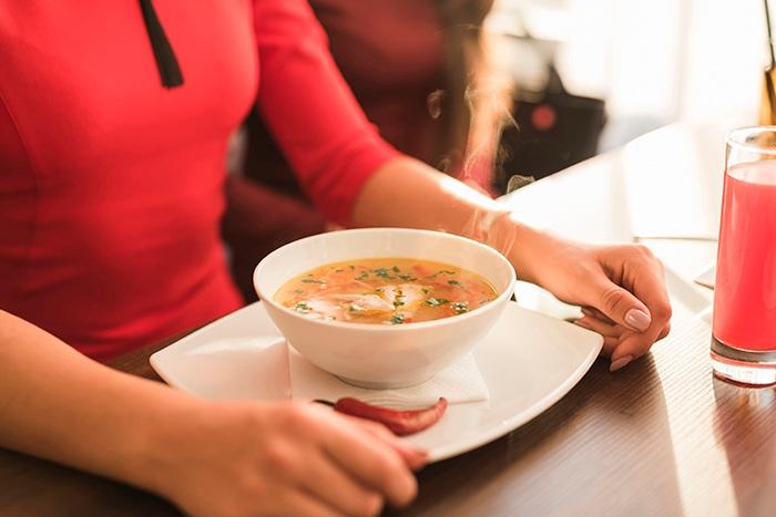 Entrar en calor con una sopa sana - HeelEspaña