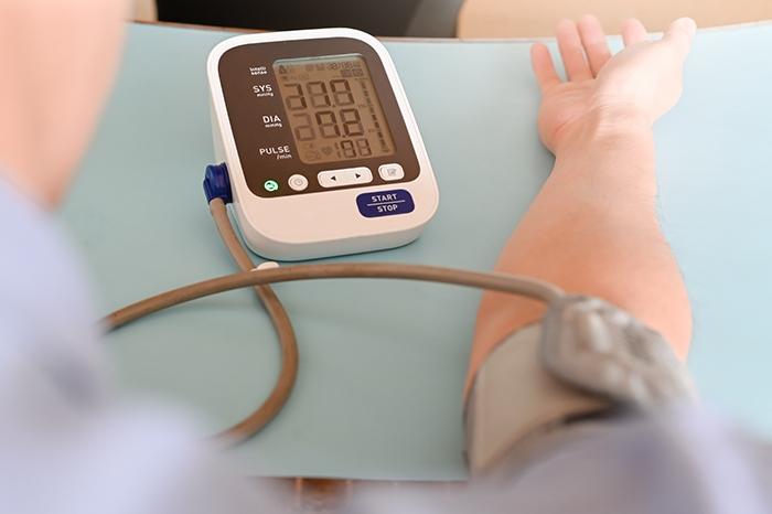 Vigila la presión arterial - HeelEspaña
