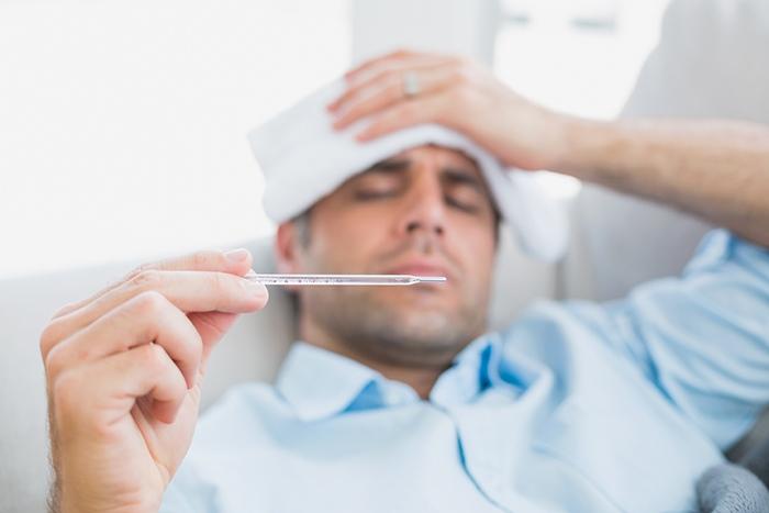 Uno de los síntomas del virus de la gripe es la fiebre - HeelEspaña
