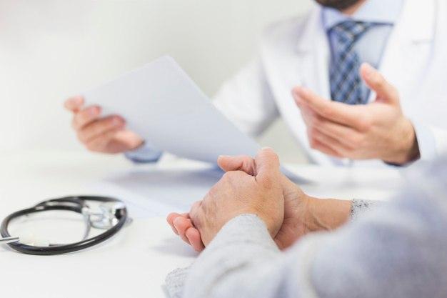 ¿Cómo afecta el virus de la gripe o resfriado?: medico paciente - HeelEspaña