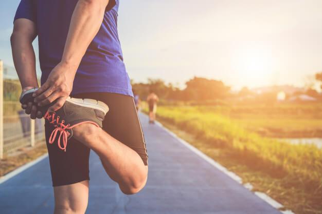 Microbiota sana | Trucos para que tu estómago funcione bien: corredor calienta cuerpo entrenamiento - HeelEspaña