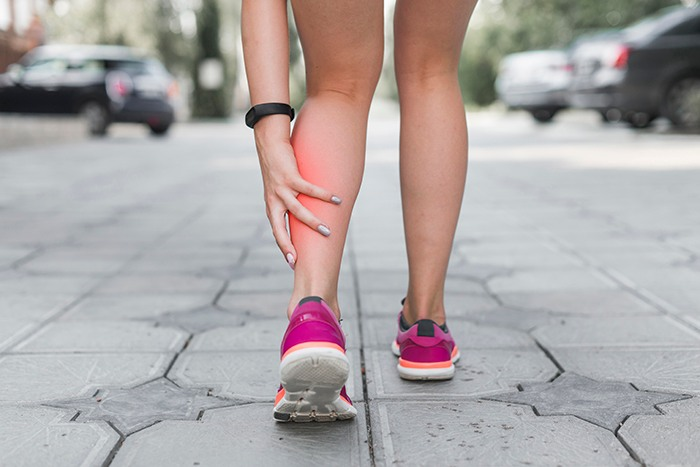 ¿Por qué se producen las piernas cansadas? - HeelEspaña