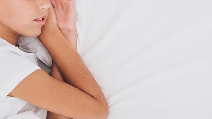 Trucos y consejos para dormir con calor