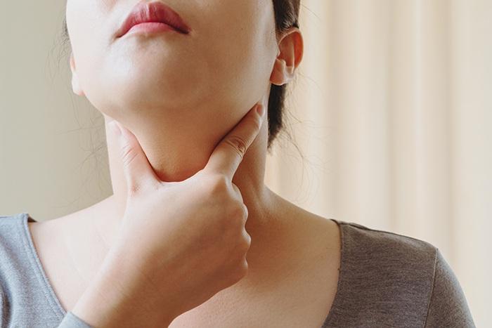 ¿Cuáles son los beneficios del própolis para la garganta?