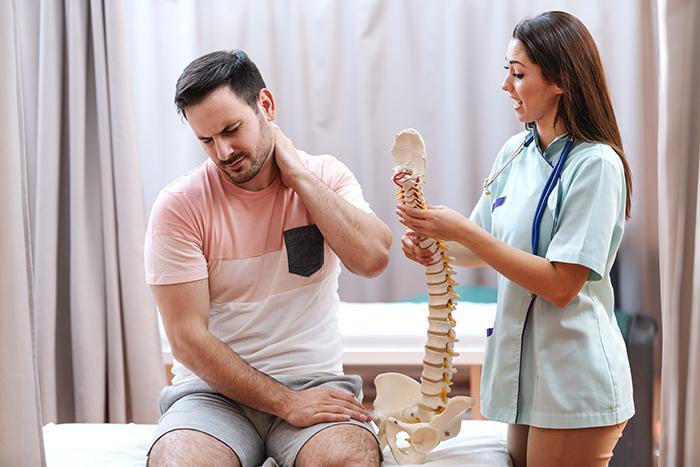 Alerta para acudir al médico por el dolor de cervicales