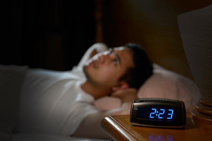 Trasnochar afecta al estado de la flora intestinal: dormir microbiota intestinal - HeelEspaña