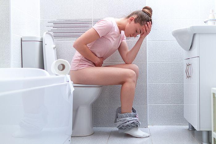 Por qué se tiene dolor al defecar