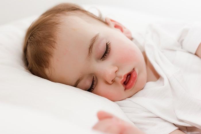 Importancia de la melatonina en bebés